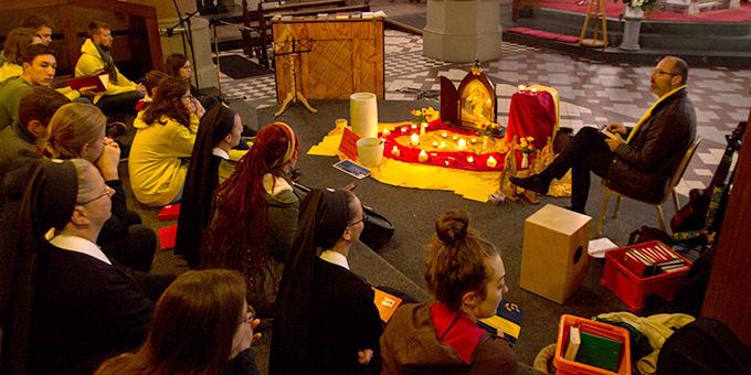 Das tägliche Abendlob war ein zentraler liturgischer Programmpunkt (Foto: Johannes Müller)
