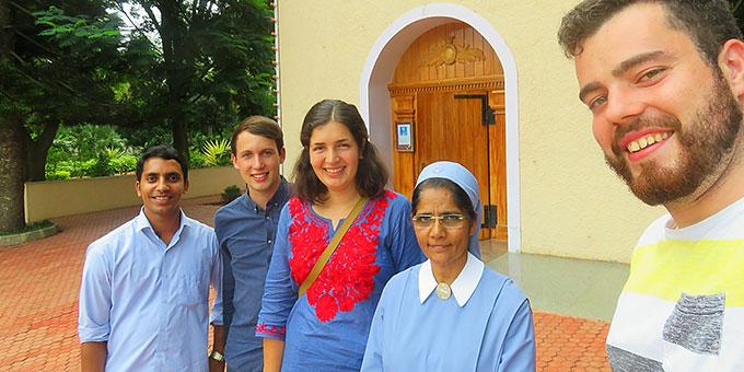 Begegnung am Schönstatt-Heiligtum der Schönstätter-Marienschwestern (Foto: Paul)