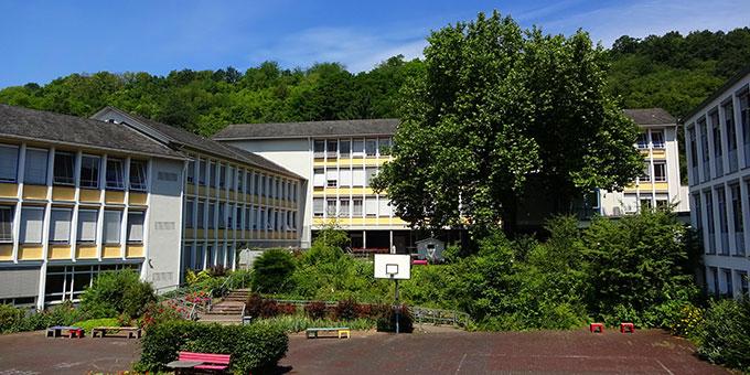 Der SMS-Schulhof (Foto: Schönstätter Marienschule Vallendar, facebook)