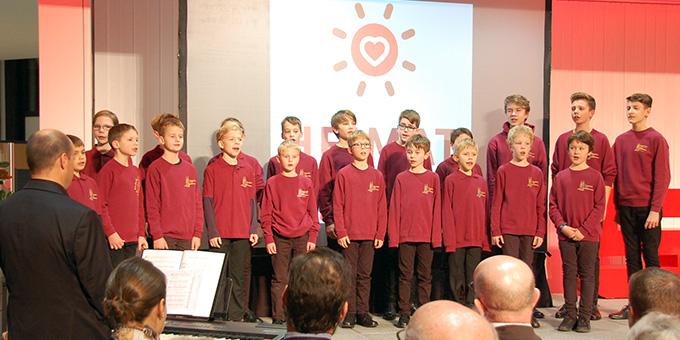 Der Knabenchor der Singschule Koblenz unter der Leitung von Regionalkantor Manfred Faig sorgte für die musikalische Mitgestaltung der Feier (Foto: Brehm)
