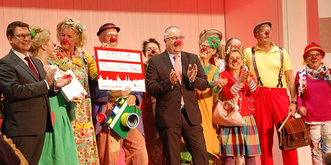 """Ein buntes Bild: Die Clowns des """"Klinik-Clowns Koblenz e.V.""""  (Foto: Brehm)"""