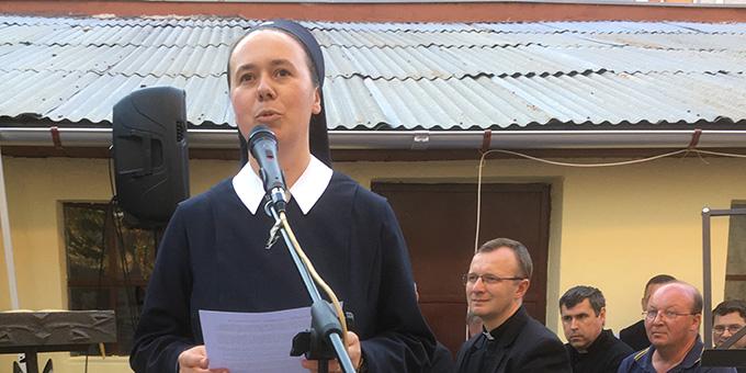 Begrüßung durch Oberin Schwester Schwester Erika-Mária Bukovics (Foto: S-MS)