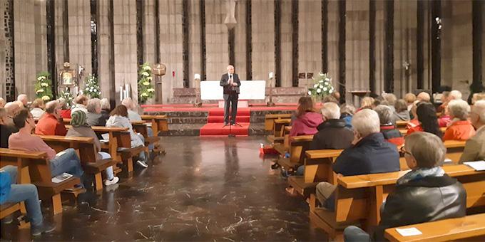 Gut 200 Personen kamen zum politischen Montagsgebet in die Krönungskirche des Schönstatt-Zentrums Liebfrauenhöhe, Rottenburg (Foto: Oberle)