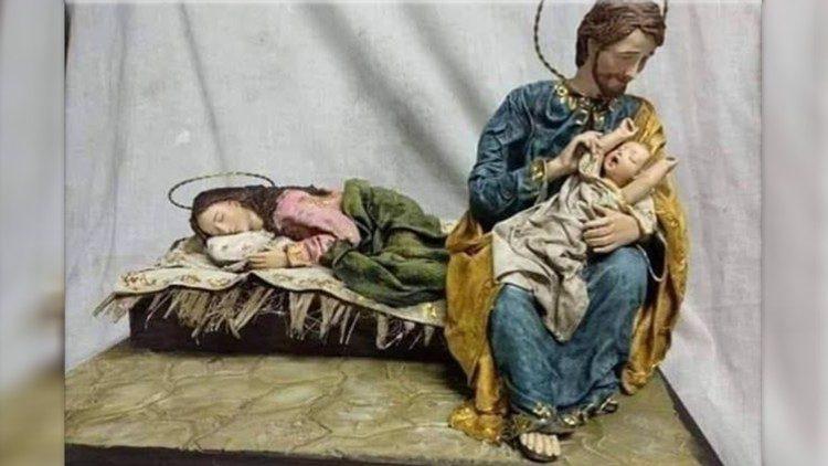 """Eine Krippe aus Brasilien. Papst Franziskuzs gibt ihr den Titel: """"Lass die Mama mal schlafen"""" (Foto: Vatican News)"""