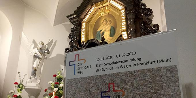 Gebet für den Synodalen Weg im Urheiligtum in Schönstatt, Vallendar (Foto: Brehm)