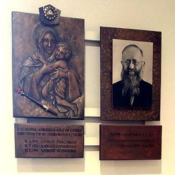 Im Votivraum der KZ-Gedenkstätte Dachau befinden sich auch Bilder der Dreimal Wunderbaren Mutter von Schönstatt und von Pater Josef Kentenich (Foto: J. Kiess)