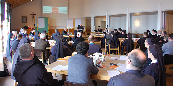 Über 50 Schwestern, Patres, Priester und Laien sind zum Zentrale-Tag in der Bildungsstätte Marienland in Schönstattt, Vallendar zusammengekommen (Foto: Brehm)