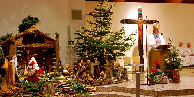 Die Pilgerkirche ist noch weihnachtlich geschmückt (Foto: Brehm)