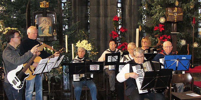Musikalische Gestaltung durch den Harmonika-Club, Ergenzingen (Foto: SAL)