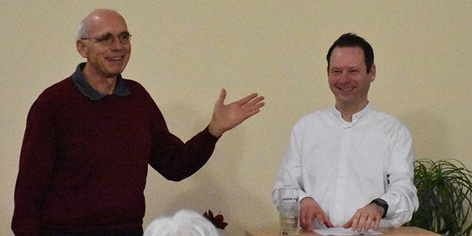 Dank an den Referenten Dr. Henning durch Hans-Josef Werner (Foto: Michael Schulze)