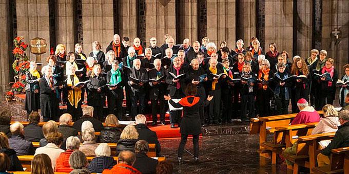 Der Kirchenchor aus Herrenberg unter der Leitung von Marianne Aicher übernahm die musikalische Umrahmung der Veranstaltung (Foto: DRS/Moser)