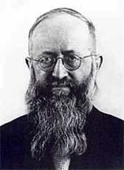 Pater Josef Kentenich 1942 bei der Ankunft im KZ Dachau (Foto: Archivbild)