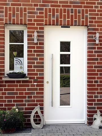 Der Segenswunsch an der Haustüre (Foto: M. München)