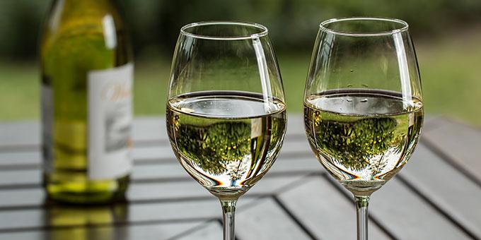 Ein schönes Glas Wein auf Maria (Foto: Steve Buissinne, pixabay.com)