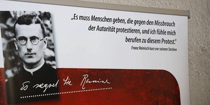 Einen fundierten Einblick in das Leben und Wirken des Märtyrers Pater Franz Reinisch gibt die Ausstellung, die derzeit in Würzburg zu sehen ist (Foto: © Markus Hauck, POW)