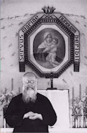 Pater Josef Kentenich 1949 im Schönstatt-Heiligtum in Bellavista, Santiago, Chile (Foto: Archiv)