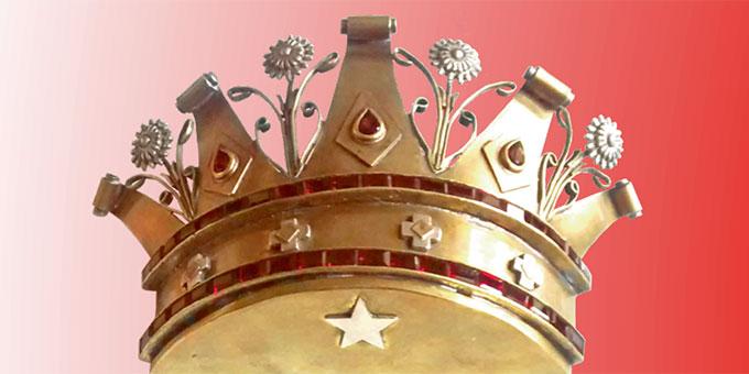 """Diese Krone, in die ein Stern integriert wurde, ersetzt die vor zwei Jahren entwendete und nie wiedergefundene Krone, mit der die Gottesmutter nun erneut zur """"Königin der Sendung des 31. Mai"""" gekrönt werden wird (Foto: schoenstatt.cl)"""