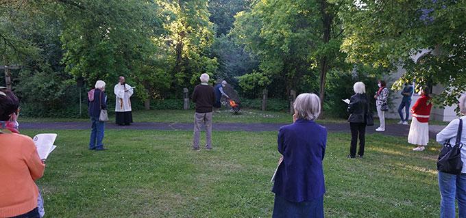 Die Flamme brennt wieder… (Foto: Fella)