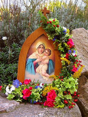 Maienblüten für die Gottesmutter (Foto: PrPH)