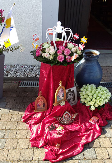 Die Menschen der einzelnen Kontinente und Nationen waren symbolisch präsent (Foto: Kalicki)
