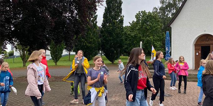 SchönstattMJF Tagesveranstaltungen für Mächen rund ums Heiligtum in Dietershausen (Foto: SchoenstattMJF Fulda)