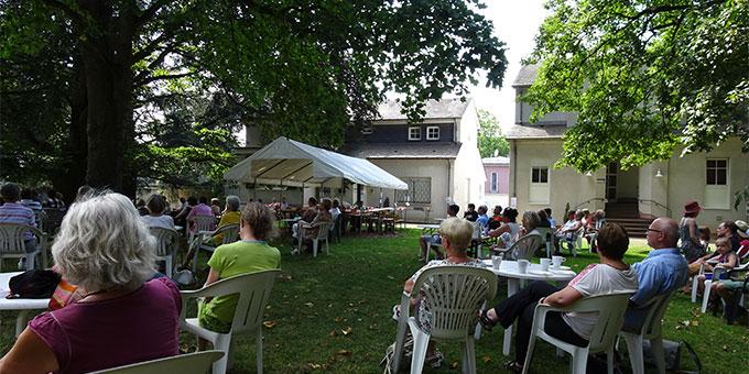 """Veranstaltung: """"Geschichten unter uralten Bäumen""""  (Foto: Brück)"""