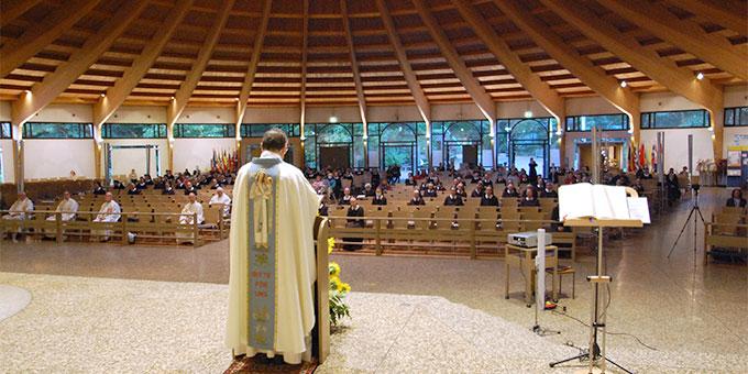 Unter Covid19 Bedingungen war die Pilgerkirche gut gefüllt (Foto: Brehm)