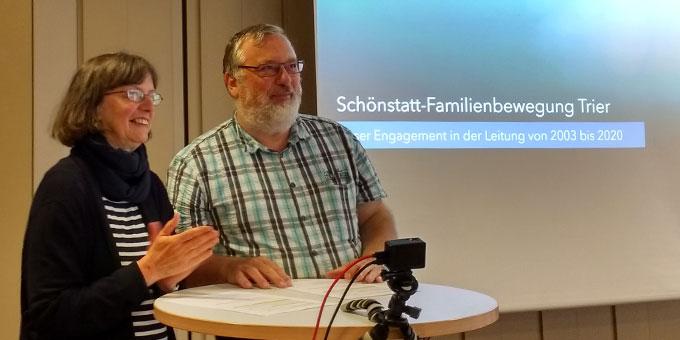 Nach 17 Jahren in der Leitungsverantwortung der Schönstatt-Familienbewegung im Bistum Trier, konnten Claudia und Heinrich Brehm den Staffelstab in jüngere Hände weitergeben (Foto: Rohrbeck)