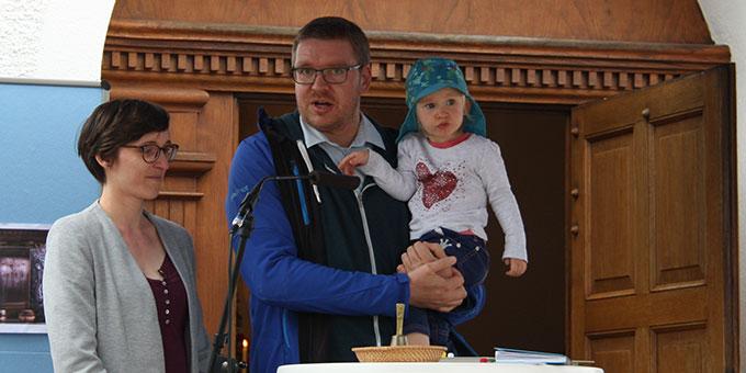 Familie Vonderau-Acker beim Statement (Foto: Poppe)