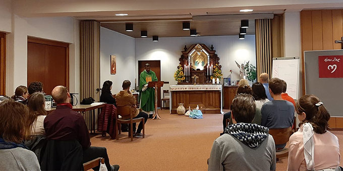 Gottesdienst mit Pater Sahaya Kumar Gnana Raj  (Foto: Franke)