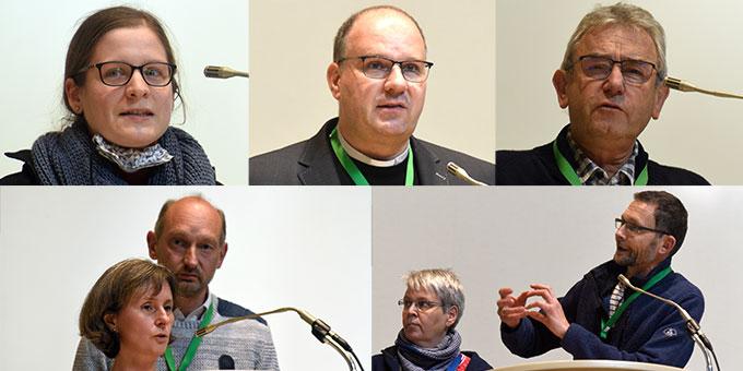 """Die """"Reporter"""" berichten aus den Großgruppen (Foto: Klaus Kröper)"""