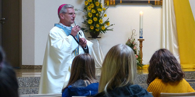 Weihbischof Dominikus Schwaderlapp: Der Mensch hat die Freiheit, die Liebe Gottes zu beantworten (Foto: Bleyenberg)