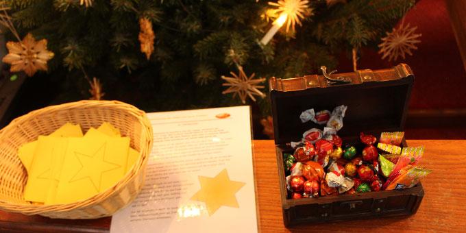 """""""Wünschesterne"""" bei der Advents- und Weihnachtsaktion der Schönstatt-Familienbewegung  auf dem Schesslitzer Marienberg (Foto: Pongratz)"""