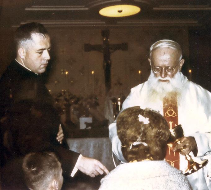 Werner Krimm bei Pater Kentenich in Milwaukee Weihnachten 1964 (Foto: Archiv)