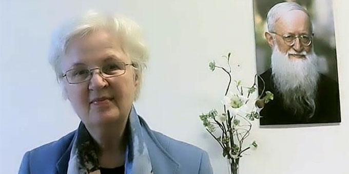 Schwester Dr. M. Nurit Stosiek, Schönstätter Merienschwestern, referierte bei einer Tagung der Institute der Schönstatt-Bewegung (Bildschirmfoto Ausschnitt: privat)