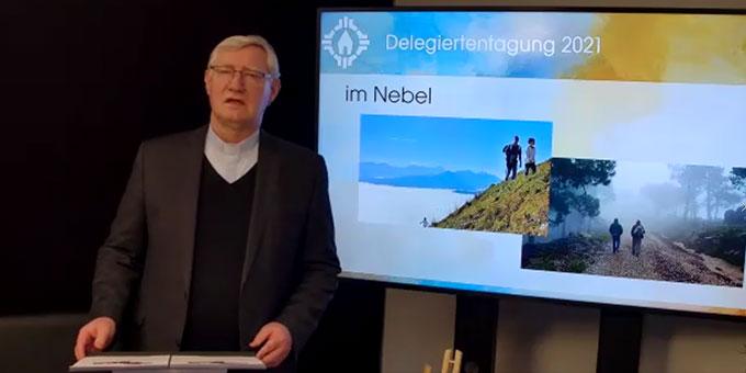 Zusammenfassender Vortrag von Pater Ludwig Güthlein (Foto: Brehm)