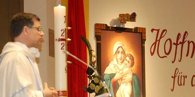 Predigt: Pater Lothar Herter, Leiter der Schönstatt-Wallfahrt (Foto: Brehm)
