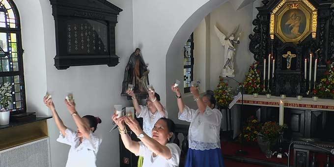 Liturgische Tänze waren Teil des Vorprogrammes beim Urheiligtum (Foto: Screenshot Stream Urheiligtum.de)