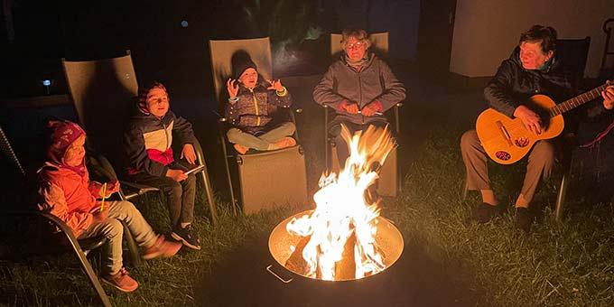 FamilienfestivalZUHAUSE: Lagerfeuer gabs nicht nur bei wonder.me (Foto: privat)