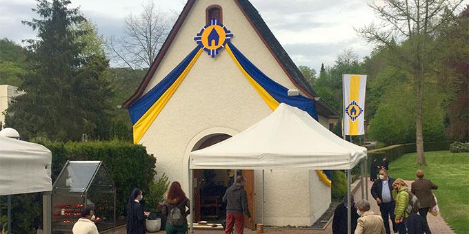"""Die Gnadenkapelle in Schönstatt ist für die """"Woche des Urheiligtums"""" eigens geschmückt (Foto: Brehm)"""