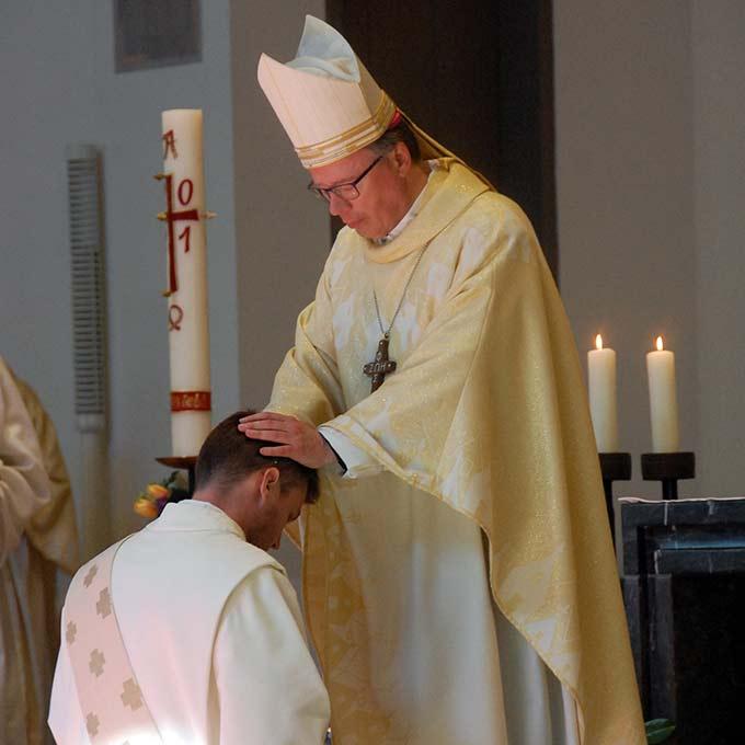 Diakon Johannes Oelighoff wird zum Priester geweiht (Foto: Brehm)