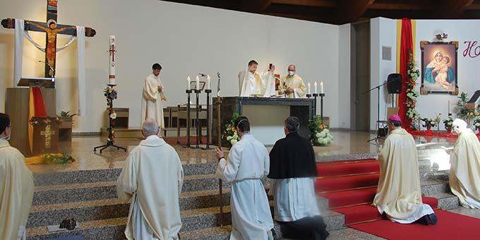 Primizsegen des Neupriesters Pater Johannes Oelighoff ISch (Foto: Brehm)