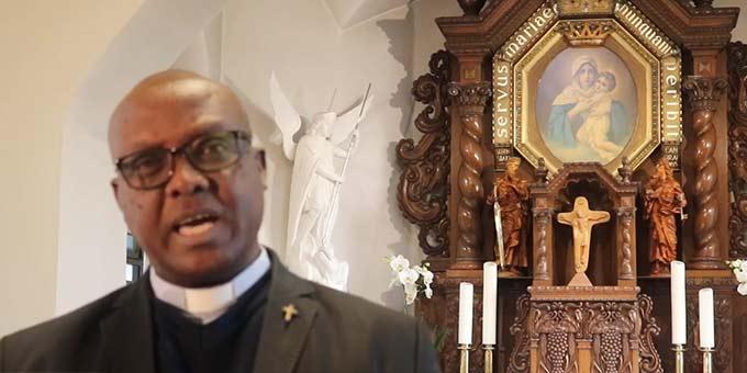 Pfr. Adelin Gacukuzi, Rektor des Heiligtums der Einheit in Cambrai (Foto: Videoausschnitt)