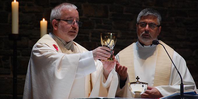 Pater Michael Czysch konnte am Sonntag, 4. Juli 2021 sein 25. Priesterweihejubiläum in der Dreifaltigkeitskirche auf Berg Schönstatt, Vallendar, feiern (Foto: Brehm)