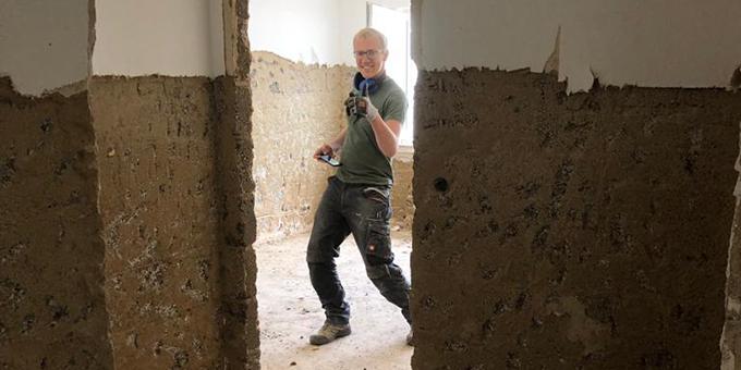 Stemmarbeiten in einem Mehrfamilienhaus (Foto: J. Reichert)
