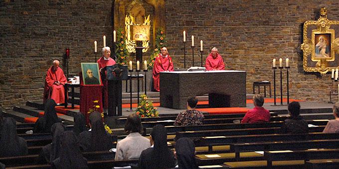 Etwa 100 Personen nahmen am Gottesdienst in der Anbetungskirche, Berg Schönstatt, Vallendar, teil (Foto: Brehm)
