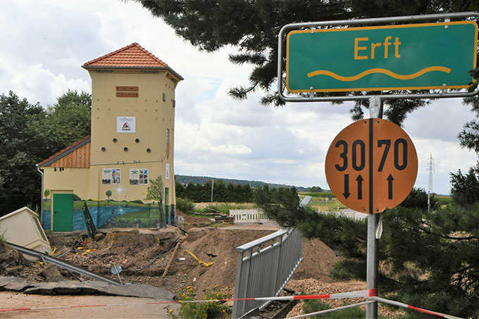 Auch an anderer Stelle hat die Erft während des Hochwassers ganze Arbeit geleistet (Foto: Manfred Görgen)