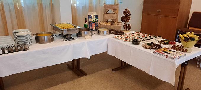 Ein einladendes Buffet für den Brunch für Ehepaare im Schönstattzentrum München (Foto: Kiess)