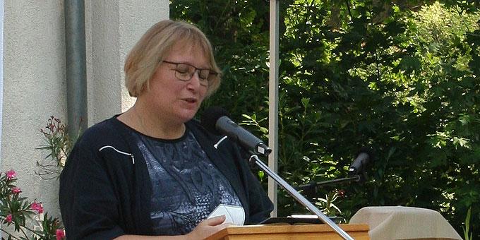 Natascha Neumann begrüßt die Gäste (Foto: Gremler)
