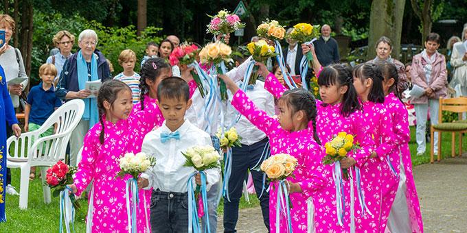 Lobpreis der Kinder anlässlich des Festgottesdienstes zum 50. Jubiläum des Schönstatt-Heiligtums in Berlin Frohnau (Foto: Gremler)